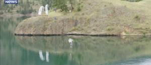 Il décolle sous l'eau en jetpack, ce pilote rentre dans l'histoire