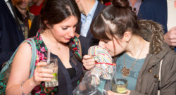 "Une ""pheromone party"" à Londres le 25 mars 2014."