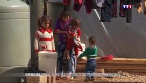 Cazeneuve à la rencontre de familles syriennes au Liban, candidates à l'asile en France