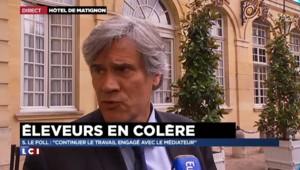 """Eleveurs en colère : """"J'ai changé d'avis"""" et """"j'irai cet après-midi à Caen"""" annonce Stéphane Le Foll"""