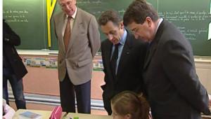 Nicolas Sarkozy dans une classe de Périgueux le 15 février 2008
