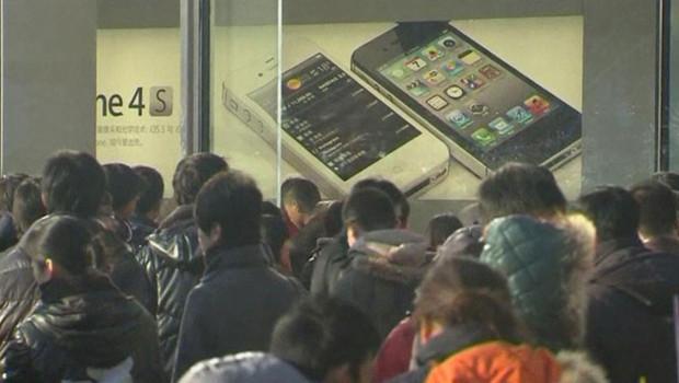 Chine, ruée sur l'Iphone 4S le 13 janvier 2012.
