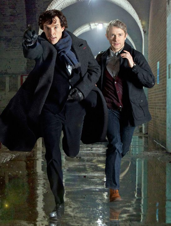 Sherlock. Une série créée par Steven Moffat, Mark Gatiss en 2009. Avec Benedict Cumberbatch, Martin Freeman et Rupert Graves.