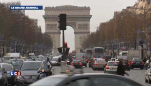 Champs-Elysées : la qualité d'accueil des clients en baisse