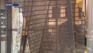 La porte de la bijouterie Casty lundi matin après le braquage