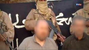 La mort de deux chefs d'Al Qaïda au Maghreb islamique (Aqmi) provoque la crainte de représailles contre les otages français détenus au Sahel.