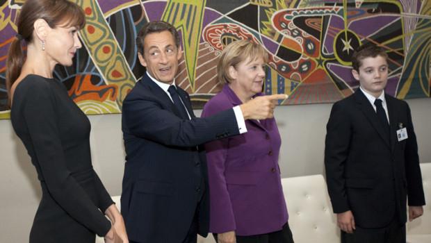 Rencontre entre Angela Merkel et Nicolas Sarkozy, accompagné de son épouse et de son fils (09/2010)