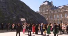 Défilé Dior : Rihanna fait sensation dans les jardins du Louvre