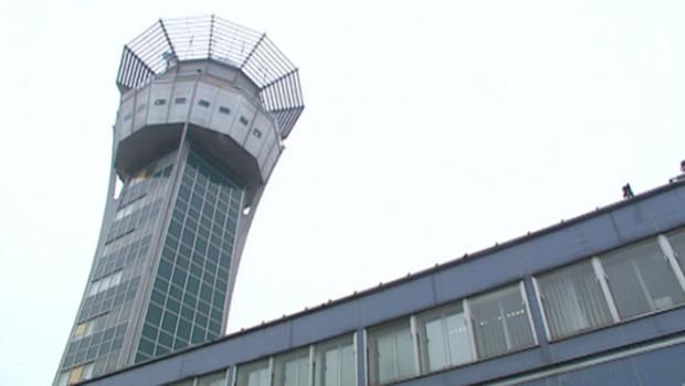 tour de contrôle aéroport trafic aérien