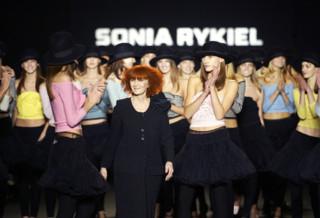 Hommage à la reine du tricot, les 5 fondamentaux du style Rykiel