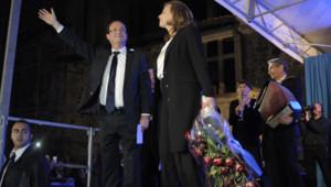 François Hollande et Valérie Trierweiler à Tulle le 6 mai 2012 après la victoire à la présidentielle