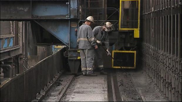 Des ouvriers dans une usine (archives).