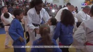 JO de Rio : les sportifs français à la rencontre des enfants des favelas