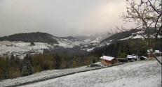 Le 13 heures du 22 octobre 2014 : Dans les Alpes, les premi�s neiges ont surpris touristes et habitants - 102.71921641540527