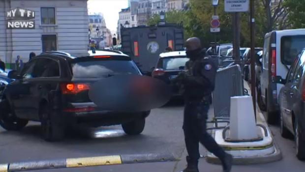 Salah Abdeslam transféré en France : les images de l'arrivée du convoi au palais de Justice