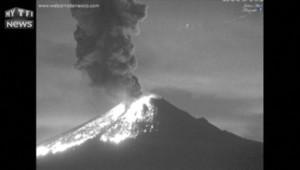 Les images nocturnes de l'explosion d'un volcan mexicain