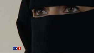 Amende pour niqab au volant : elle raconte
