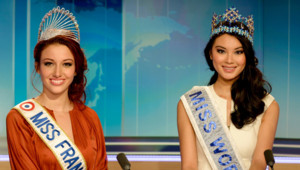 Miss France 2012 (Delphine Wespiser) et Miss Monde 2012 (Wenxia Yu) sur le plateau du journal de 13 heures, le 26 septembre 2012.