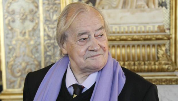 http://s.tf1.fr/mmdia/i/82/9/l-ancien-ministre-communiste-jack-ralite-en-octobre-2010-au-senat-10617829dfnci_1713.jpg?v=2