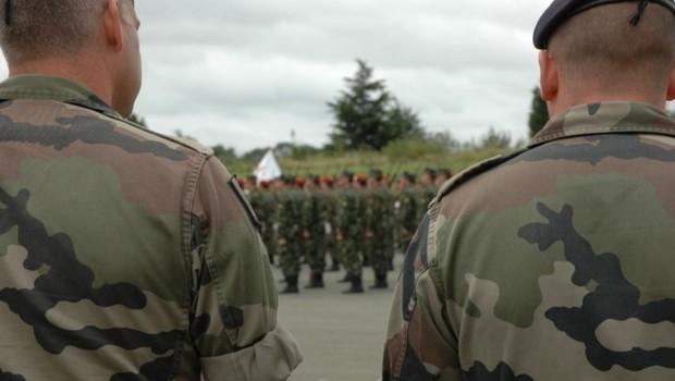 Les militaires répètent le défilé du 14 juillet à Villacoublay