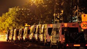 Véhicules de la police stationnés dans les quartiers Nord d'Amiens (15 août 2012)