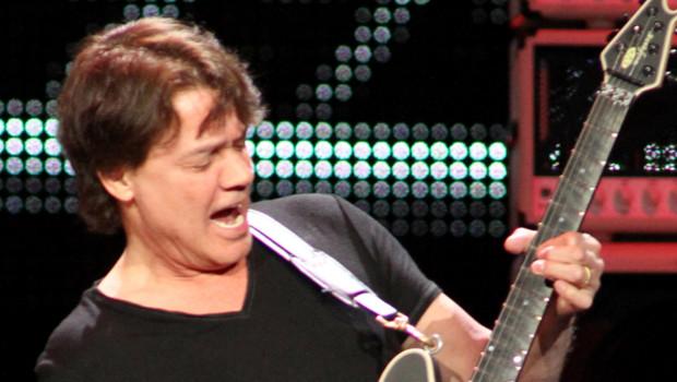 Eddie Van Halen en concert en avril 2012