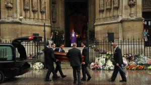 Les obsèques de Thierry Roland le 21 juin en l'église Sainte-Clothilde à Paris.