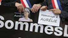 Marche blanche à Villejuif (Val-de-Marne) le 25 avril 2015 en hommage à Aurélie Châtelain, assassinée la semaine précédente par un homme soupçonné d'avoir voulu commettre des attentats.