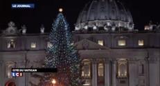 Un entrepreneur italien escalade le fronton de la basilique Saint-Pierre