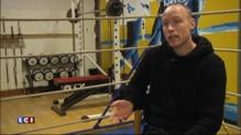Attentats : l'entraîneur de boxe d'Ahmed Dahmani raconte comment impuissant, il l'a vu sombrer