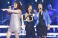 Battles The Voice du 8 mars 2014 - Juliette Moraine, Sophie Delmas et Carine un trio sur « It's Raining men »