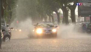 Le 20 heures du 12 juin 2015 : A Montpellier, les orages et les pluies ont surpris la population - 829