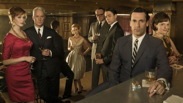 Mad Men - Saison 4. Série créée par Matthew Weiner en 2007. Avec : Jon Hamm, Elisabeth Moss, Vincent Kartheiser et January Jones