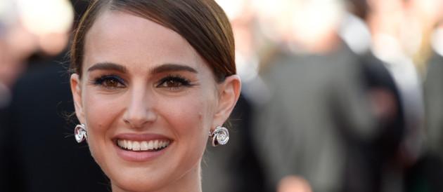 Natalie Portman sur le tapis rouge de Cannes le 16 mai 2015
