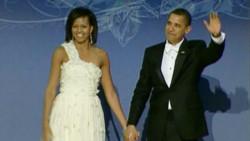 Michelle et Barack Obama lors d'un des dix bals donnés à Washington pour l'investiture, le 20 janvier 2009