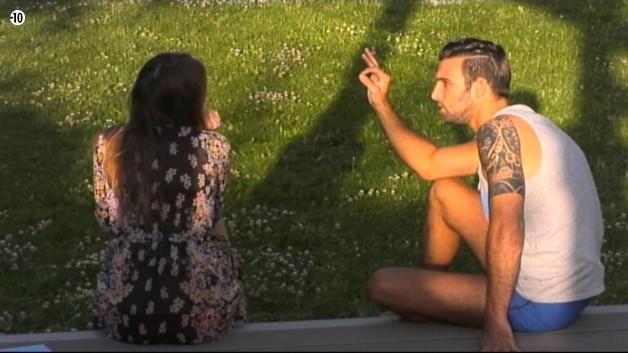 Aymeric veut conclure un pacte avec Sara. Il lui confirme si les indices qu'elle a sur Nathalie son vrais et de son côté, elle se débrouille pour découvrir les indices que Steph possède.