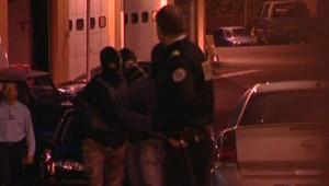 Les deux membres présumés d'ETA au cours d'un transfert après leur arreststaion mercredi 5 décembre en Lozère