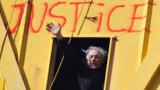 Nantes : troisième nuit pour le père retranché sur une grue