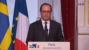 """Brexit : """"Si le Royaume-Uni décide de partir, ce sera irréversible"""" selon François Hollande"""