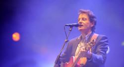 Francis Cabrel lors d'un concert en 2009