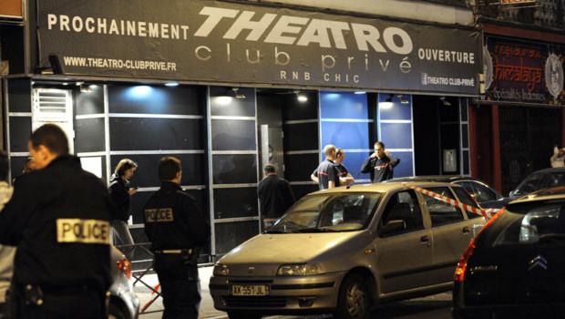 Un homme éconduit d'une discothèque, en plein coeur de Lille, a tiré à l'arme de guerre, faisant deux morts et cinq blessés dans la nuit du 30 au 1er juillet 2012.