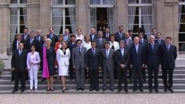 Le gouvernement Fillon 2 à la sortie du premier conseil des ministres