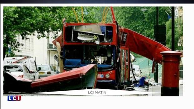 Les Londoniens sous le choc après l'explosion volontaire d'un bus pour un film