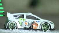 Insolite : Ford fête Noël avec le