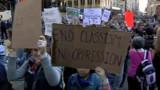 "Les ""indignés"" de Wall Street défendent leur campement"