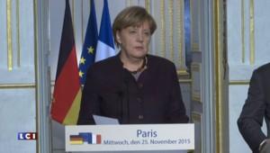 """Hollande souhaite que l'Allemagne """"s'engage davantage"""" dans la lutte contre Daech"""