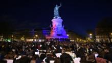 """L'""""orchestre debout"""" place de la République, le 30/04/16"""