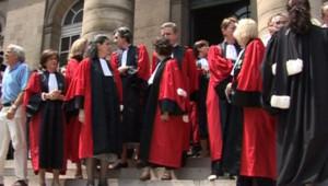 TF1-LCI : Rassemblement de magistrats devant le palais de Justice de Paris, le 11 juin 2007
