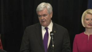 Newt Gingrich a annoncé son retrait de la course à l'investiture républicaine en vue de l'élection présidentielle, pendant une conf de presse en Virginie. Le 2 mai 2012.