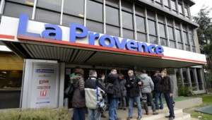Le groupe Hersant a cédé l'intégralité de ses parts dans le quotidien La Provence à Bernard Tapie.